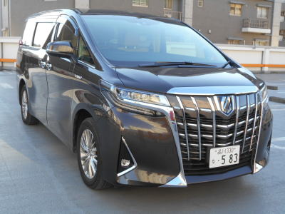 2018 Toyota Alphard Hybrid G-F package front
